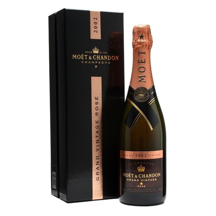 VICH0018_Moet_-_Chandon_Grand_Vintage_Rose